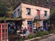 Υπέροχο - Ένα χωριό 2 ώρες από την Πάτρα στο οποίο 'ζουν' κούκλες! (Δείτε φωτο)