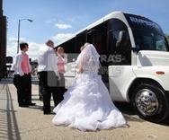 Ζευγάρι πήγε στον γάμο με τα λεωφορεία του Αστικού ΚΤΕΛ Πάτρας! (video)
