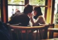 Προσοχή: «Σε είδα και μου άρεσες, κάπου στην Πάτρα…»