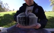 Εντυπωσιακά κόλπα με χαρτιά τράπουλας (video)
