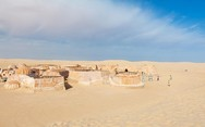 Επιστροφή στο Star Wars - Σκηνικά θαμμένα στην άμμο (pics)