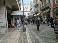Πάτρα: Κινήθηκε κάπως η αγορά τη Κυριακή - Ελπίζουν σε ανάκαμψη οι έμποροι