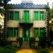 Ένα απίθανο-τρομακτικό και 'κρυμμένο' Hostel στην Πάτρα!