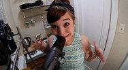 Δεν θα πιστεύετε τα metal φωνητικά που βγάζει αυτό το κορίτσι (vids)
