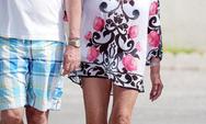Μίνι φόρεμα αποφάσισε να βάλει η Joan Collins στα 82 της χρόνια (pics)