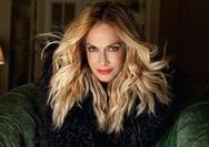 Σέξι Λατίνα η Άννα Βίσση στο νέο της video clip!