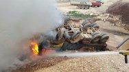 Ιόνια Οδός: Φορτηγό συγκρούστηκε με Ι.Χ. και τυλίχθηκε στις φλόγες (pics)
