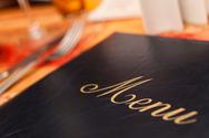 11 ψυχολογικά τρικ που χρησιμοποιούν τα εστιατόρια στα... μενού τους (pic)