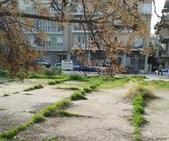 Πάτρα: Το κάποτε προαύλιο που έχει γίνει αλάνα και θα μπορούσε να ήταν πάρκο! (pics)