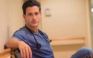 Γιατί ξεφλουδίζουν τα πέλματα; - Δείτε τι απαντά ο πιο σέξι γιατρός (video)