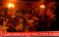 Ο Ζαν Κλοντ Βαν Νταμ τύφλα στο μεθύσι διασκεδάζει με... κλαρίνα! (pics+video)