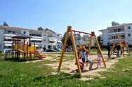 Πάτρα: O Δήμος καθάρισε τις πλατείες και τις παιδικές χαρές από τα χόρτα