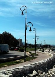 Πάτρα: Τα σπασμένα φανάρια στο πάρκο του Φάρου θα πάρουν και πάλι φως