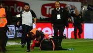 Εξαγριωμένος οπαδός χτύπησε στο πρόσωπο διαιτητή στην Τουρκία (video)