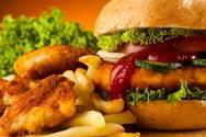 Έρευνα - Τα λιπαρά γεύματα φέρνουν υπνηλία