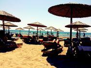 Sandhill - Ποτό στο χέρι, πόδια βυθισμένα στην άμμο και μία από τις ομορφότερες παραλίες της Αχαΐας!