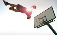 Απίθανα κόλπα με μια μπάλα του μπάσκετ! (vids)