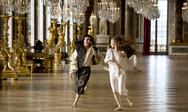 «Βερσαλλίες»: Η πολυαναμενόμενη σειρά του BBC που... απογοήτευσε πολλούς (pics+video)
