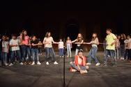 Πάτρα: Καταχειροκροτήθηκε η θεατρική παράσταση 'Η μικρή Μόμο' στο Ρωμαϊκό Ωδείο (pics)