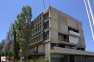 Στα άδυτα του κτιρίου «φάντασμα» που σκιάζει το λιμάνι της Πάτρας (pics)