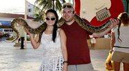 Γνωρίστε το ζευγάρι που συναντιέται μόνο στις διακοπές (pics)