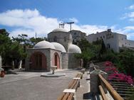 Πάτρα: Πλήθος πιστών ανηφορίζει στην ιερά Μονή του Προφήτη Ηλία (pics)