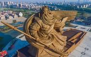 Ο επιβλητικός πολεμιστής Guan Yu της Κίνας (pics)