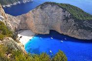 Το Paris Match παραληρεί για πέντε ελληνικά νησιά (pics)