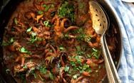 Λατρεύετε τα θαλασσινά; - Φτιάξτε χταπόδι κρασάτο με καλαμαράκια