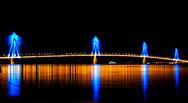 Οι 50... «αποχρώσεις του μπλε» της Γέφυρας Ρίου - Αντιρρίου (video)