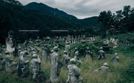 Το παράξενο πάρκο της Ιαπωνίας με τα 800 αγάλματα (pics)