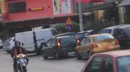 Πάτρα: Καταγγελία - Στον κεντρικό δρόμο της Οβρυάς δεν υπάρχουν πεζοδρόμια (pics)