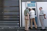 Νέο σοκ στα ΑΤΜ για 25.000 συνταξιούχους - «Μαχαίρι» ως 40% στις επικουρικές