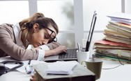 Τι κρύβεται πίσω από τη διαρκή κούραση;