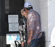 Gwen Stefani - Blake Shelton: Φιλιά σε κεντρικό δρόμο για το ζευγάρι! (pics)