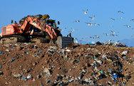 Έρχεται οριστικό «λουκέτο» σε δεκάδες χωματερές της χώρας, μέσα στο 2017