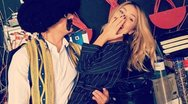 Η Μαρία Ηλιάκη ποζάρει αγκαλιά με τον «τσολιά» της «Ελληνοφρένειας»