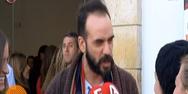 Πάνος Μουζουράκης: «Για πες μου εσύ για τον γκόμενο σου, πως τα πάτε στο κρεβάτι;» (video)