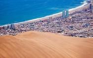 Ο γιγάντιος αμμόλοφος που κάνει πόλη της Χιλής να μοιάζει... μινιατούρα (pics)