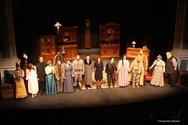 Πάτρα: Δείτε φωτογραφίες από την πρεμιέρα των 'Μικροαστών' στο θέατρο Απόλλων