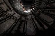Μπαλαρίνα φωτογραφίζεται σε εγκαταλειμμένα κτήρια! (pics)