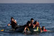 Συνεχίζονται οι αφίξεις προσφύγων στα νησιά