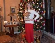 Το πιο ψηλό «σπιτικό» χριστουγεννιάτικο δέντρο, το είδαμε στην Πατρινή Βίβιαν Σαμούρη!