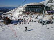 Η... μισή Ελλάδα πήγε για σκι στην Αράχωβα (video)