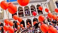Η 'τρέλα' του Πατρινού Καρναβαλιού μέσα σε 2,5 λεπτά (video)