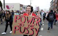 Χιλιάδες γυναίκες βγήκαν στους δρόμους κατά του σεξισμού του Τραμπ (pics)