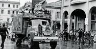 Πάτρα: Στιγμές μιας άλλης εποχής μέσα από το καρναβάλι του 1967 (video)