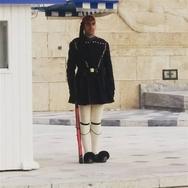 Πατρινός μπασκετμπολίστας στην Προεδρική Φρουρά, στο Μνημείο του Άγνωστου Στρατιώτη