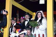 Ο γάμος της Γιαννούλας της Κουλουρούς: Καρέ - καρέ το σμίξιμο των δύο ερωτευμένων (pics+vids)