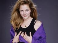 Η Drew Barrymore έπαθε διάσειση στα γυρίσματα!
